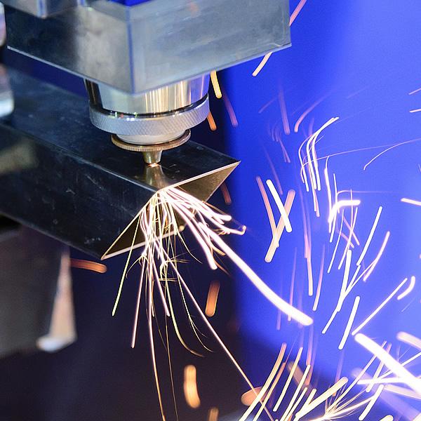 Rýchle a presné rezanie laserovým lúčom | Tubelaser.sk